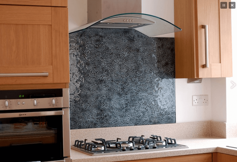 metallic-glass-splashback-western-suburbs-melbourne