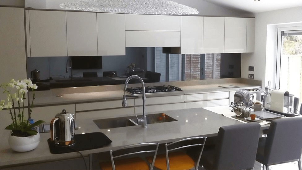 The Mirror Splashback 6 Powerful Unique Benefits