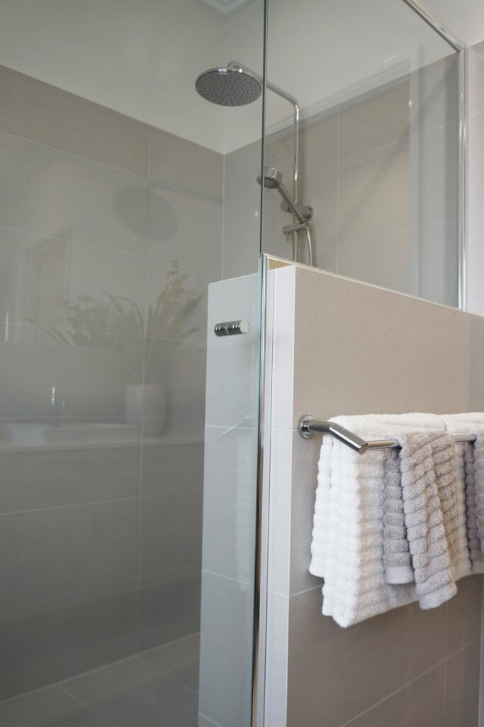 shower-door-handles-western-suburbs-melbourne